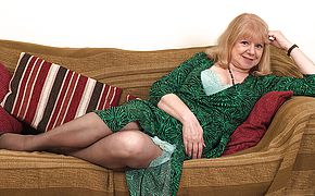 Naughty British mature breezy getting humid and ultra kinky