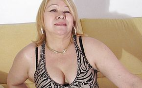 Super fucking hot mature doll cant help her self and has to wank