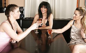 Trio older and youthful lesbos get it on