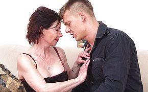 Insane housewife getting screwed by her plaything man