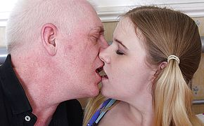 Super fucking hot nubile plumbing and throating a messy elderly stud