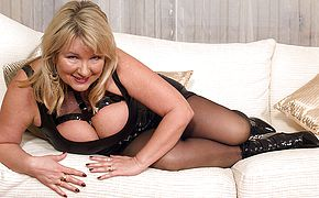 British thick titted housewife heads super naughty