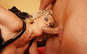 This super naughty mama gets her weekly internal ejaculation