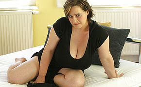 Big breastes housewife toying with herself
