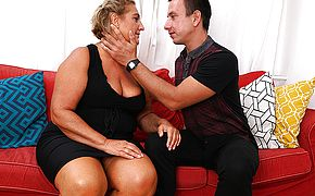 Obese mature tramp screwing her plaything stud