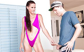 Kinky housewife seducing the poolboy for gonzo orgy
